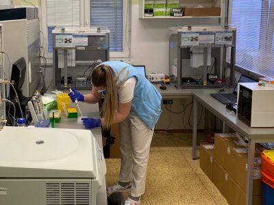 VLaboratořích AGELLAB zájemcům prověří, zda chytili infikované klíště